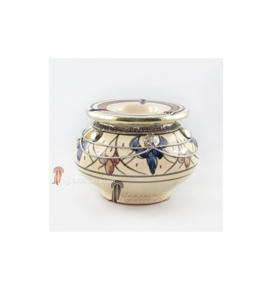 Cendrier marocain fait main bleu, jaune et rouge, cerclé de métal poli et torsadé