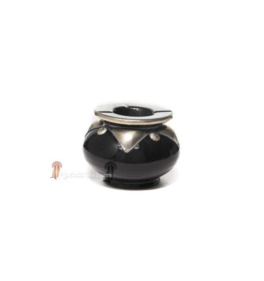 Cendrier marocain fait main noir, cerclé de métal poli et torsadé